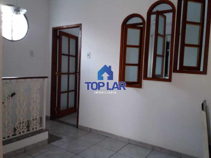 17. - Apartamento tipo CASA de fundos, com 01 lance de escada. Sala 2 qrts, banh social c blindex, coz. e área de serviço e terraço coberto. - HAAP20105 - 8