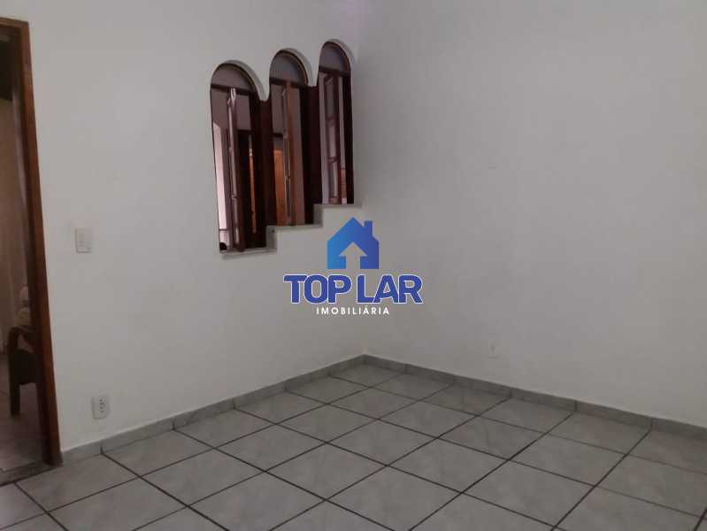 19. - Apartamento tipo CASA de fundos, com 01 lance de escada. Sala 2 qrts, banh social c blindex, coz. e área de serviço e terraço coberto. - HAAP20105 - 20