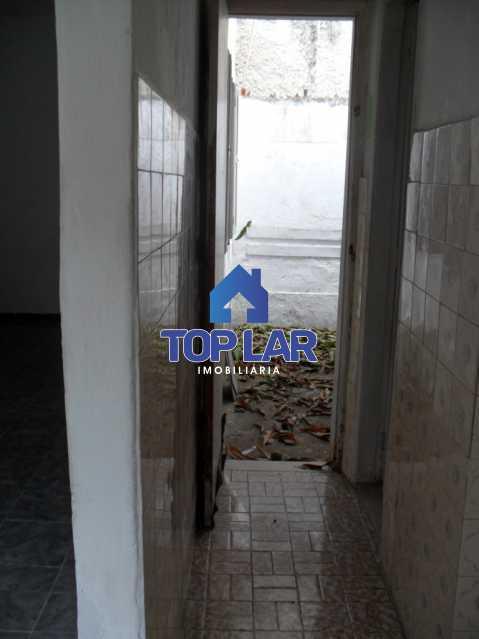 12 - Casa vila ( precisa obra ), vazia, linear, sl, qto, coz, bh, área. ( Rua da Comlurb - próx Pça 2 ) - HACV10003 - 13