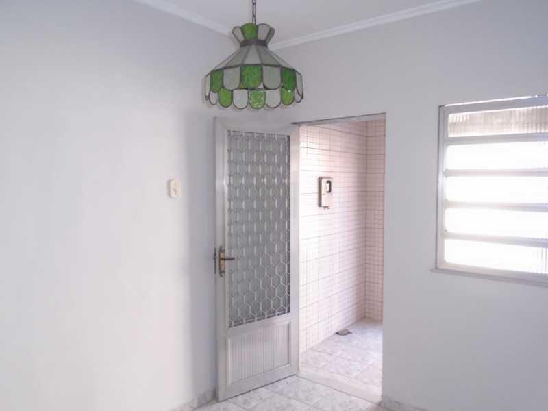 Sala - Camarão - Rua Gonçalo Gouveia, 08 casa 02 - R$ 600,00 - CECA10035 - 5