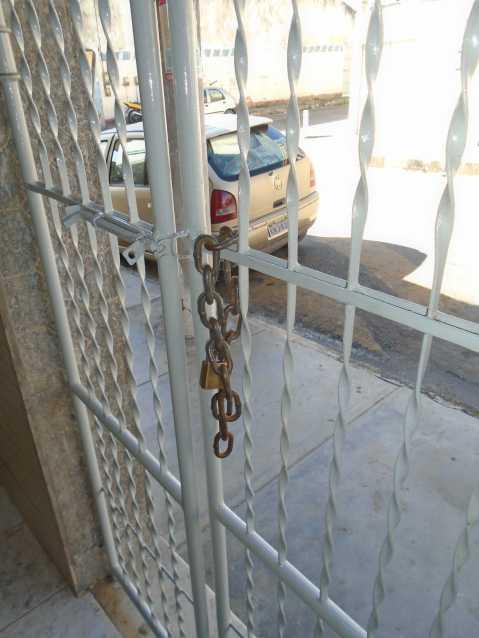 Entrada - Camarão - Rua Gonçalo Gouveia, 08 casa 02 - R$ 600,00 - CECA10035 - 3