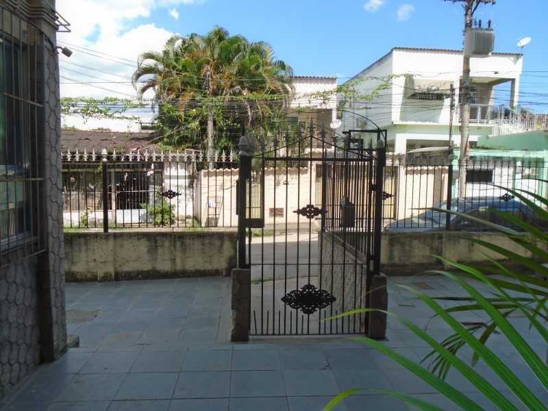 Entrada - Mutondo - Rua Prof. Adélia Martins, 189 apt 204 - R 700,00 - CEAP20042 - 4