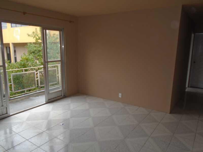 Sala - Galo Branco - Rua Alexandrino Cunha, 149 casa 04 - R 650,00 - CECV20003 - 4