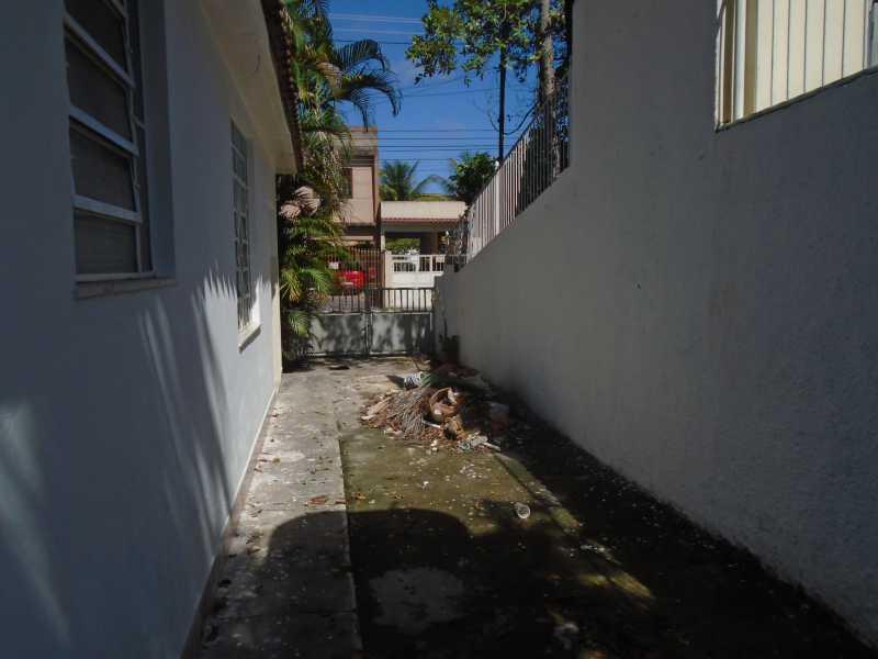 Garagem - Trindade - Rua Justo Brito Sanches, n 37 - R 930,00 - CECA20042 - 7