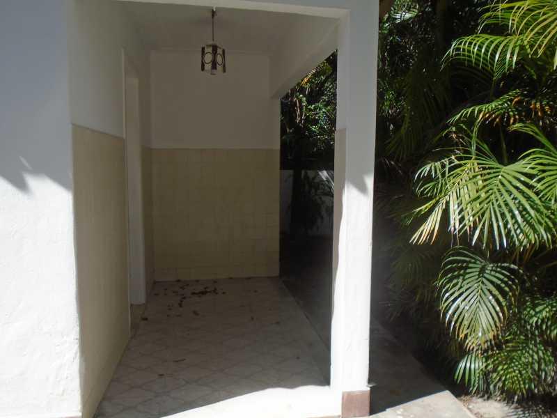 Varanda - Trindade - Rua Justo Brito Sanches, n 37 - R 930,00 - CECA20042 - 8