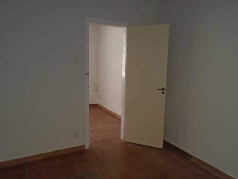 Quarto II - Trindade - Rua Justo Brito Sanches, n 37 - R 930,00 - CECA20042 - 14