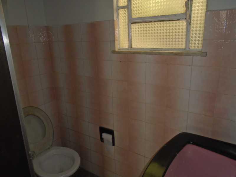 Banheiro - Trindade - Rua Justo Brito Sanches, n 37 - R 930,00 - CECA20042 - 18