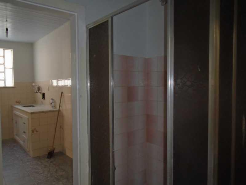 Banheiro - Trindade - Rua Justo Brito Sanches, n 37 - R 930,00 - CECA20042 - 19