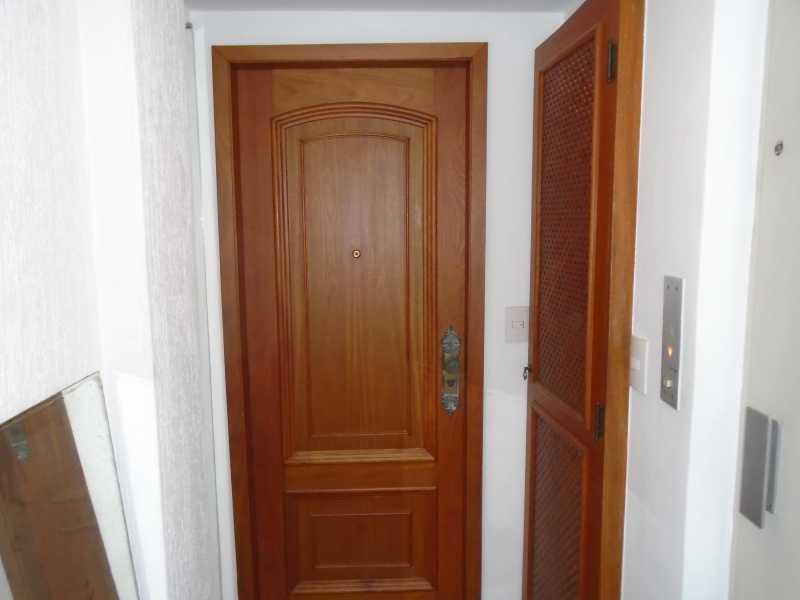 Entrada - Icaraí - Rua Professor Miguel Couto, n° 390 apt° 1101 - R$ 2.800,00 - CEAP40002 - 3