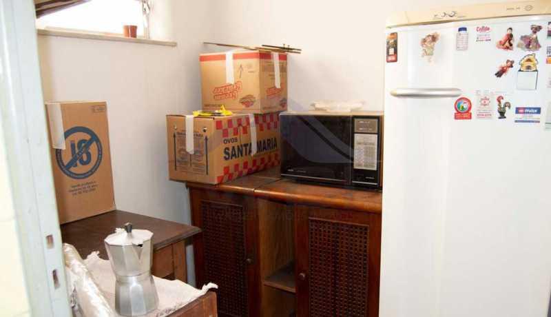 É A AREA DE BAIXO COLADA NA C - Vendo Casa Tijuca - WCCV30016 - 16