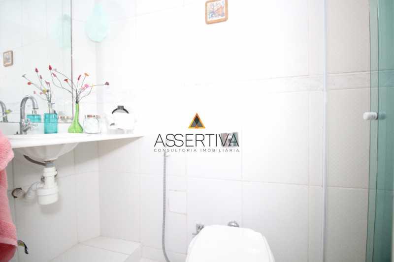 IMG_7315 - Apartamento à venda Rua Pereira da Silva,Laranjeiras, Rio de Janeiro - R$ 390.000 - FLAP20117 - 10