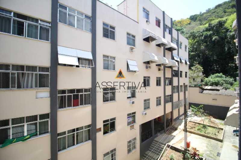 IMG_7322 - Apartamento à venda Rua Pereira da Silva,Laranjeiras, Rio de Janeiro - R$ 390.000 - FLAP20117 - 15