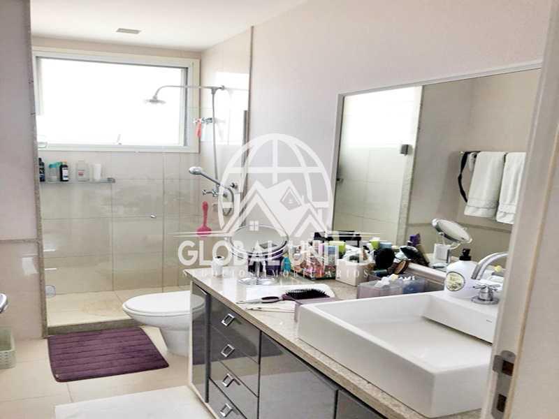 13 Banheiro Suite 1. - Apartamento Rio de Janeiro, Barra da Tijuca, RJ Para Venda e Aluguel, 4 Quartos, 435m² - REAP40019 - 16