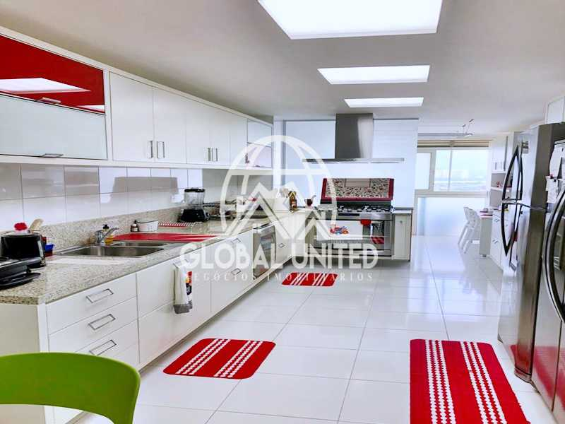 24 Cozinha. - Apartamento Rio de Janeiro, Barra da Tijuca, RJ Para Venda e Aluguel, 4 Quartos, 435m² - REAP40019 - 26