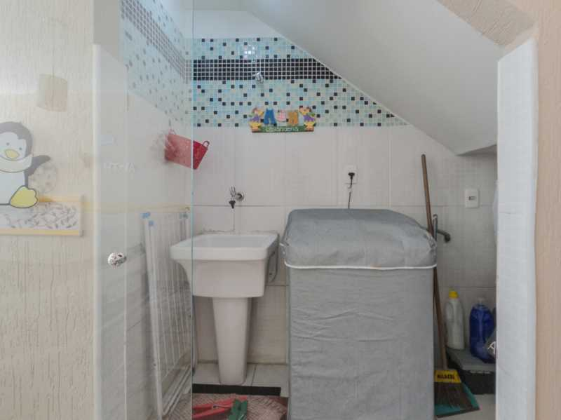Garagem 4 - Casa Triplex Geminada com 130m² na Rua Jose Silva, Pechincha - RECA30006 - 5