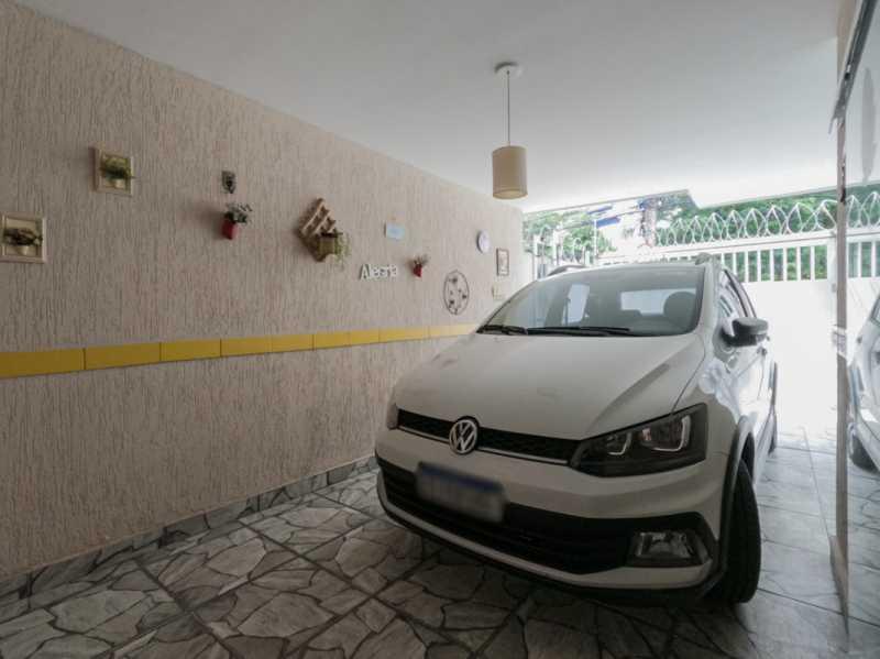 Garagem 5 - Casa Triplex Geminada com 130m² na Rua Jose Silva, Pechincha - RECA30006 - 6
