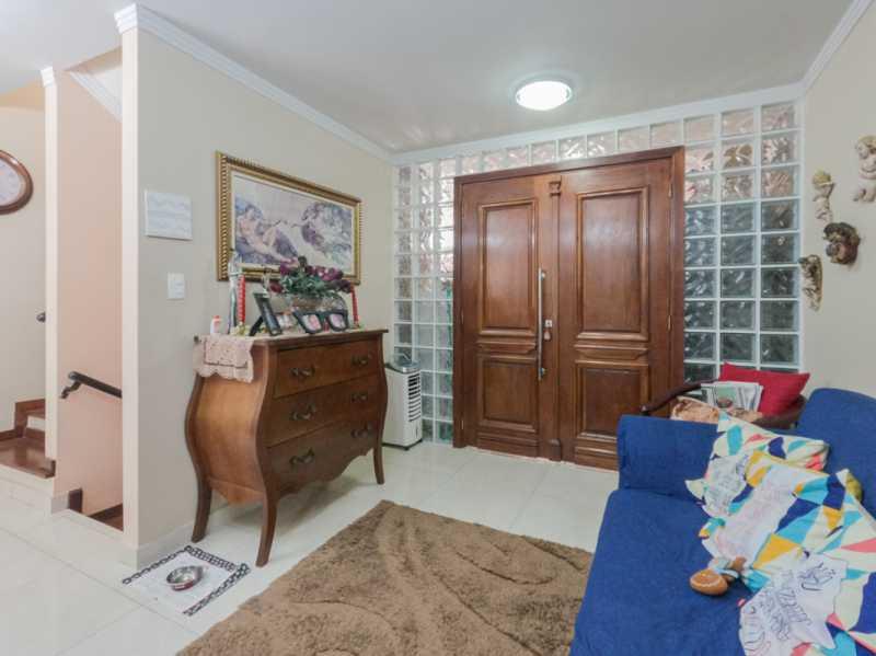 Sala 4 - Casa Triplex Geminada com 130m² na Rua Jose Silva, Pechincha - RECA30006 - 8