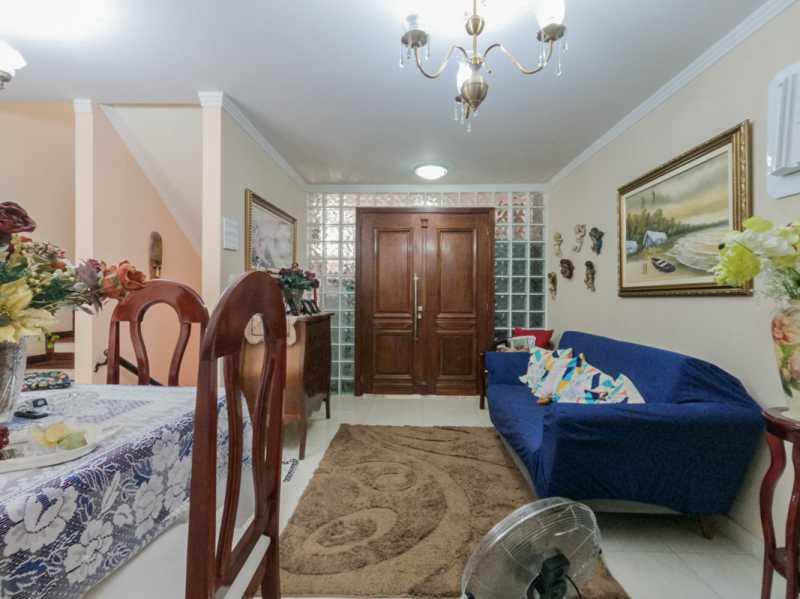 Sala 5 - Casa Triplex Geminada com 130m² na Rua Jose Silva, Pechincha - RECA30006 - 9