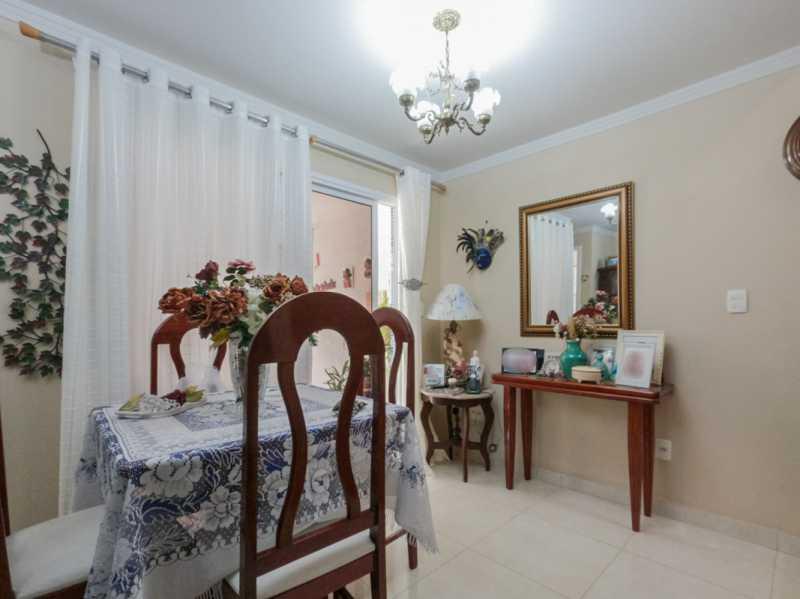 Sala 7 - Casa Triplex Geminada com 130m² na Rua Jose Silva, Pechincha - RECA30006 - 11