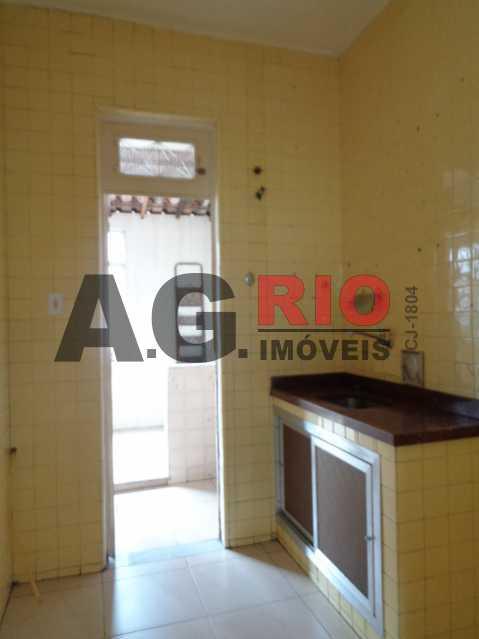 DSC09190 480x640 - Apartamento para alugar Estrada Intendente Magalhães,Rio de Janeiro,RJ - R$ 950 - VV2097 - 8