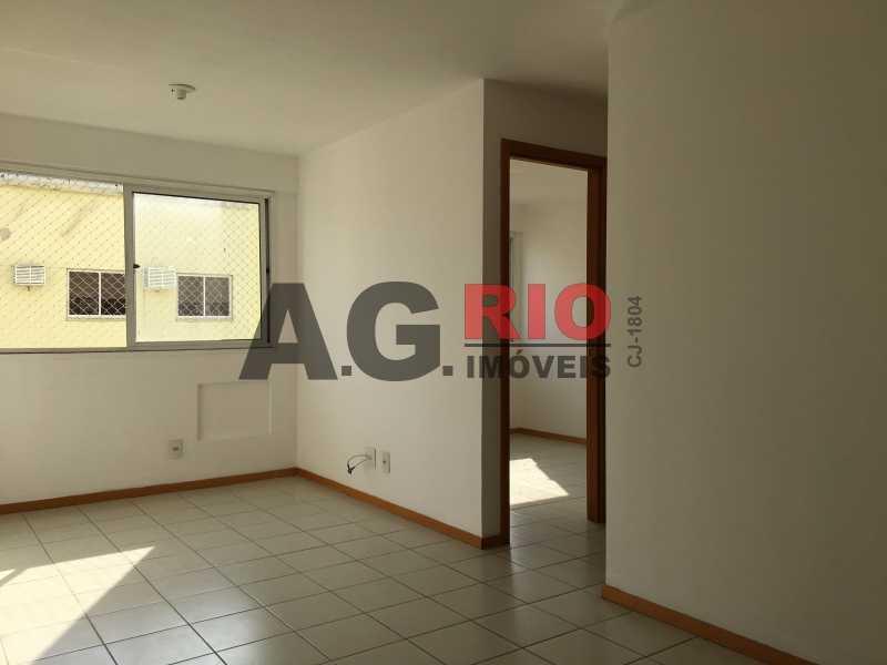 2 - Apartamento Para Alugar no Condomínio Via Corcovado - Rio de Janeiro - RJ - Quintino Bocaiúva - VVAP20305 - 3