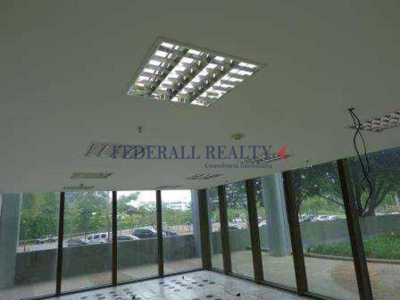 img91 - Aluguel de sala comercial na Barra da Tijuca - FRSL00174 - 29