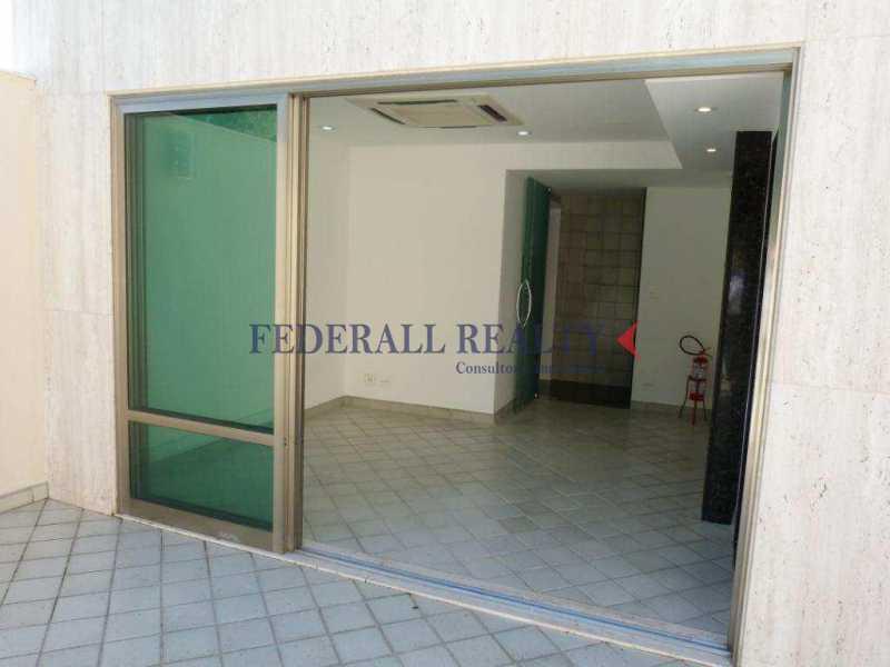 img80 - Aluguel de prédio monousuário no Leblon - FRSL00309 - 24