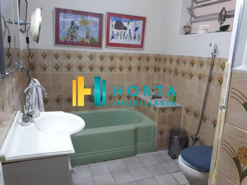 3e637c34-f9fb-45ad-bb62-74c0a8 - RARIDADE! Apto composto de salão em 2 ambientes, 4 dormitórios revertido para 3 dormitórios, suíte, dependência completa, vaga escriturada. Sol da manhã e da tarde. Quadra da praia com vista para o mar em alguns cômodos, Prédio de luxo localizado em um - CPAP40075 - 13