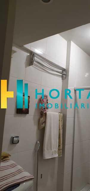 10 - Raridade em Copacabana Posto 3. Otima localização, quarto e sala excelente, reformado, quarto com armário, sala dois ambientes, esquadrias de alumínio, cozinha, banheiro com blindex e instalação para lavadora, hidráulica e elétrica novas, piso em porcela - CO13053 - 11