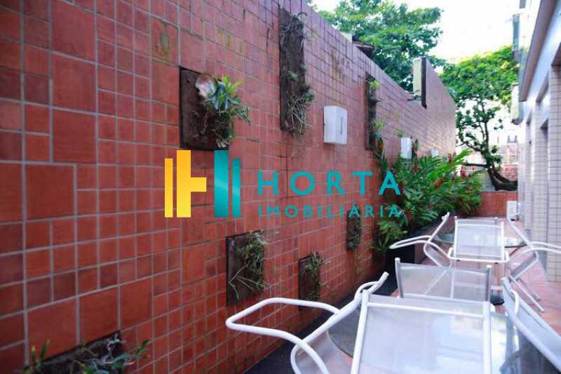 piscina 4 - Excelente Flat em Ipanema localizado entre a Praia e a Lagoa. Imóvel composto de sala e quarto, banheiro social, cozinha americana, varanda, vaga na escritura, serviço de quarto. Serviço de lavanderia, academia, piscina, sauna, sala de tv, área de convivê - CPFL10005 - 24