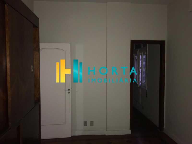 1cfe466d-bbf5-477d-b080-650f51 - Amplo apartamento, salão, quatro quartos, dois banheiros, copa, cozinha, área de serviço, dependência completa. Localizado em rua transversal, com vista parcial para o mar, entre o metrô e a praia. - CPAP40042 - 11