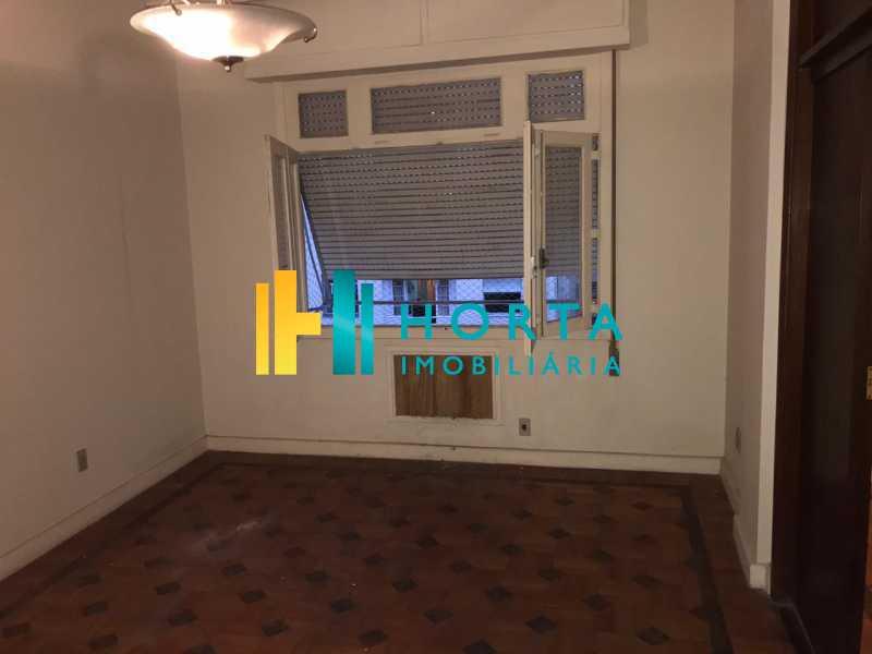 b6387731-c9c5-4aee-875a-4b019d - Amplo apartamento, salão, quatro quartos, dois banheiros, copa, cozinha, área de serviço, dependência completa. Localizado em rua transversal, com vista parcial para o mar, entre o metrô e a praia. - CPAP40042 - 19
