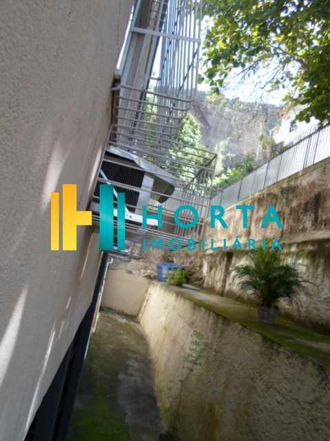 SAM_3115 - HORTA IMOBILIÁRIA!!!!!! VENDE / ALUGA Excelente Apartamento de 02 quartos em Laranjeiras na melhor Rua da região bem arborizada silenciosa vasta de trasporte de van,ao acesso a largo do machado ,perto da avenida principal. - FLAP20125 - 16
