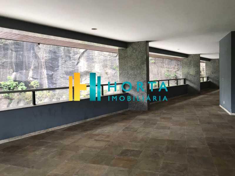 SALÃO DE FESTA - Imóvel de alto luxo!!! Apartamento com vista espetacular e eterna para a Lagoa Rodrigo de Freitas! Composto de três suite, sendo uma master com banheira, sala de jantar, de estar e de televisão toda envidraçada, ampla copa cozinha, área de serviço e dois - CPAP31284 - 22