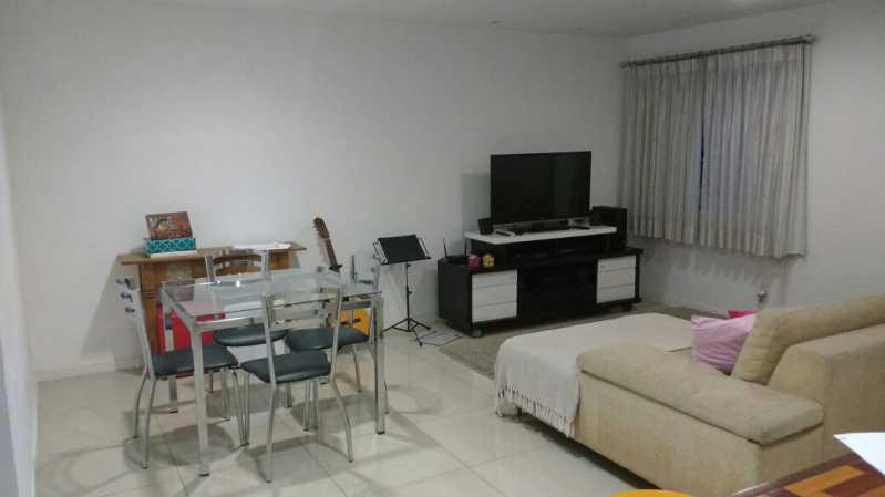 Sala em dois ambientes 3 - Casa com 3 quartos no centro de Nilópolis! - SICA30017 - 4