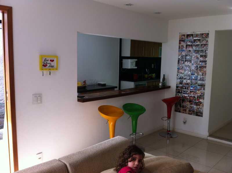 Sala em dois ambientes 4 - Casa com 3 quartos no centro de Nilópolis! - SICA30017 - 3