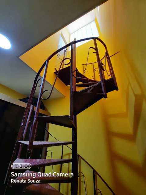0a24009c-2084-4cc5-a6f0-dc5a4e - Ampla Casa Triplex totalmente Reformada com 3 quartos ( 1 suíte ) para venda no Bairro Vila Nova - Nova Iguaçu. - SICA30020 - 23