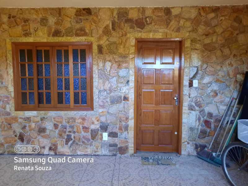 46c0561a-c34f-4275-b409-d552b4 - Ampla Casa Triplex totalmente Reformada com 3 quartos ( 1 suíte ) para venda no Bairro Vila Nova - Nova Iguaçu. - SICA30020 - 4