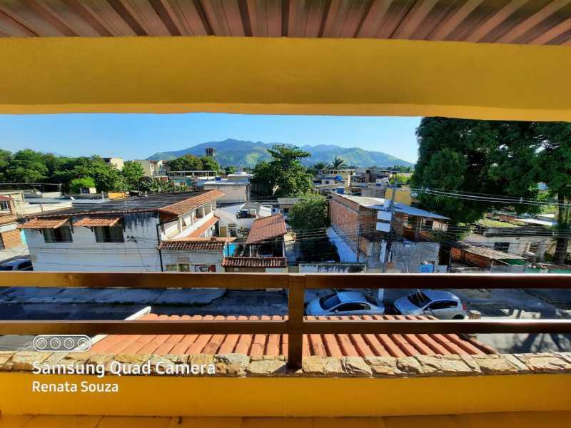 96832ba4-3c70-4c0b-a894-7f0e86 - Ampla Casa Triplex totalmente Reformada com 3 quartos ( 1 suíte ) para venda no Bairro Vila Nova - Nova Iguaçu. - SICA30020 - 20