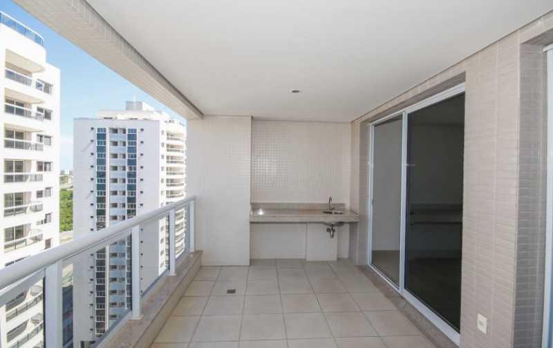 02_Ampla-varanda-gourmet-1-840 - 2 quartos na Barra da Tijuca - Ilha Pura - PMAP20120 - 4