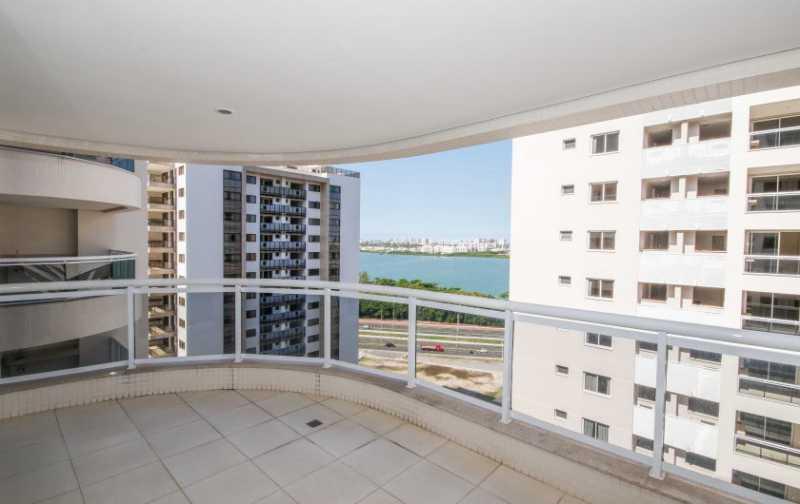 03_Varanda-com-vista-Lagoa-2-8 - 2 quartos na Barra da Tijuca - Ilha Pura - PMAP20120 - 5
