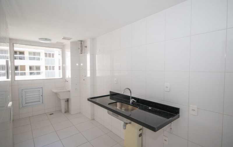 08_Ampla-cozinha-e-area-de-ser - 2 quartos na Barra da Tijuca - Ilha Pura - PMAP20120 - 10