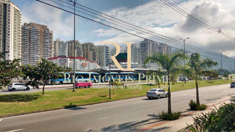 BRT EM FRENTE AO PRÉDIO - Fachada - One Offices - 126 - 13