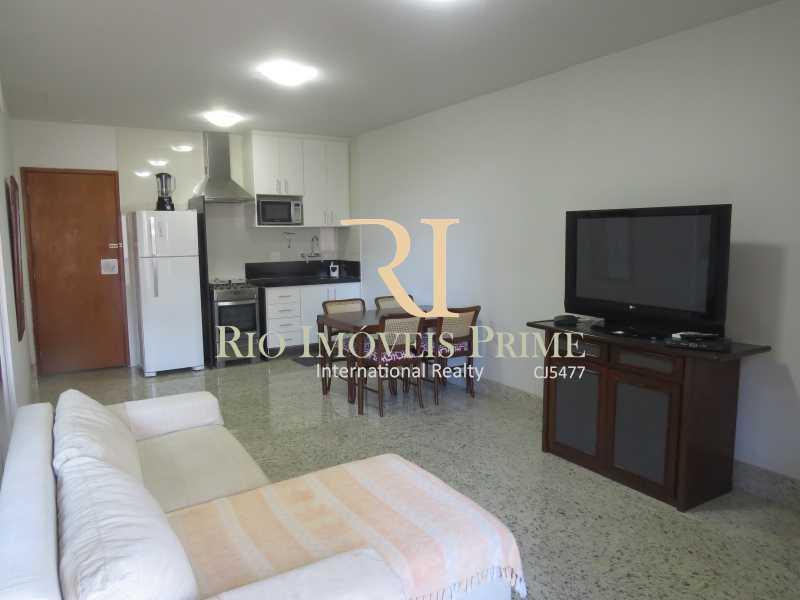 3 SALA - Flat 1 quarto à venda Leblon, Rio de Janeiro - R$ 1.900.000 - RPFL10034 - 4