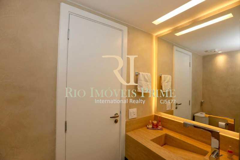 BANHEIRO SOCIAL - Apartamento À Venda - Barra da Tijuca - Rio de Janeiro - RJ - RPAP40014 - 17