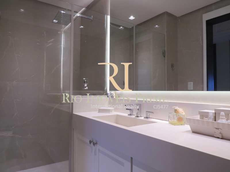 BANHEIRO SOCIAL - Apartamento 3 quartos à venda Barra da Tijuca, Rio de Janeiro - R$ 3.799.999 - RPAP30068 - 13
