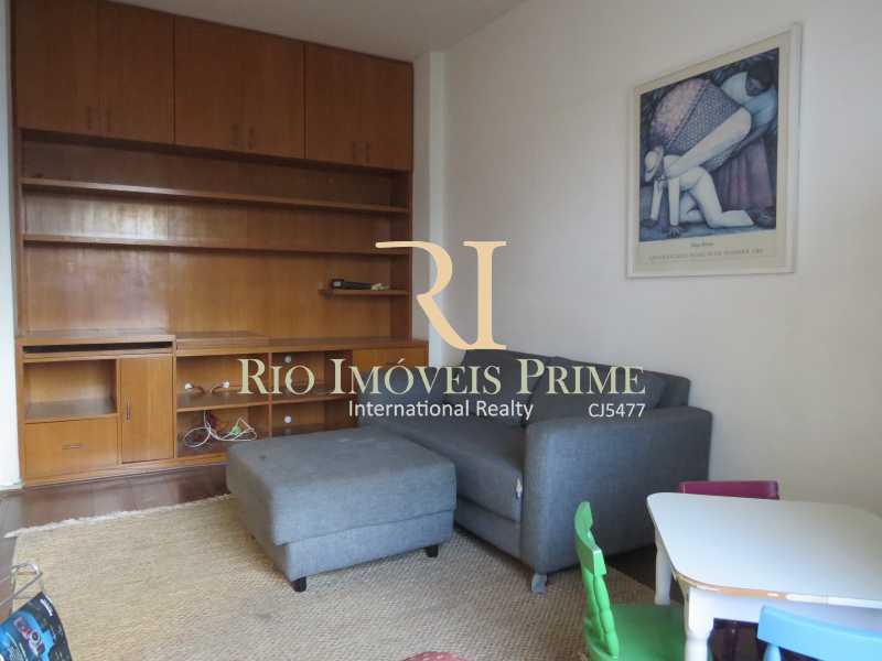 QUARTO3 REV SALA TV - Apartamento à venda Avenida Heitor Beltrão,Tijuca, Rio de Janeiro - R$ 799.900 - RPAP30070 - 11