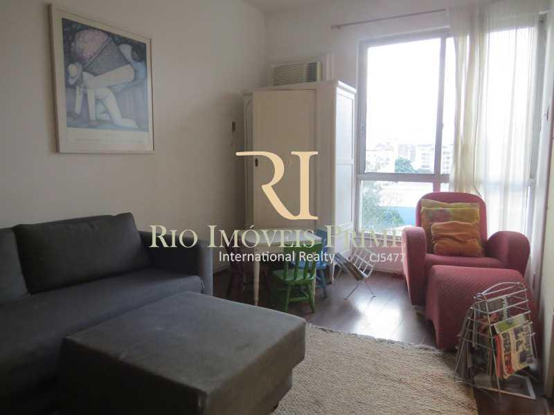 QUARTO3 REV SALA TV - Apartamento à venda Avenida Heitor Beltrão,Tijuca, Rio de Janeiro - R$ 799.900 - RPAP30070 - 12