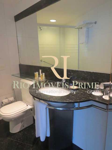 BANHEIRO - Flat 1 quarto à venda Barra da Tijuca, Rio de Janeiro - R$ 419.900 - RPFL10084 - 11