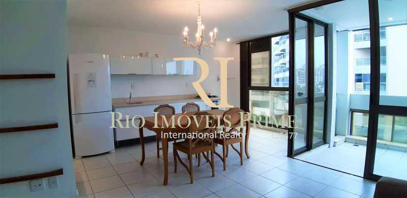 SALA ESTAR E COZINHA - Flat 2 quartos à venda Barra da Tijuca, Rio de Janeiro - R$ 2.110.000 - RPFL20032 - 12